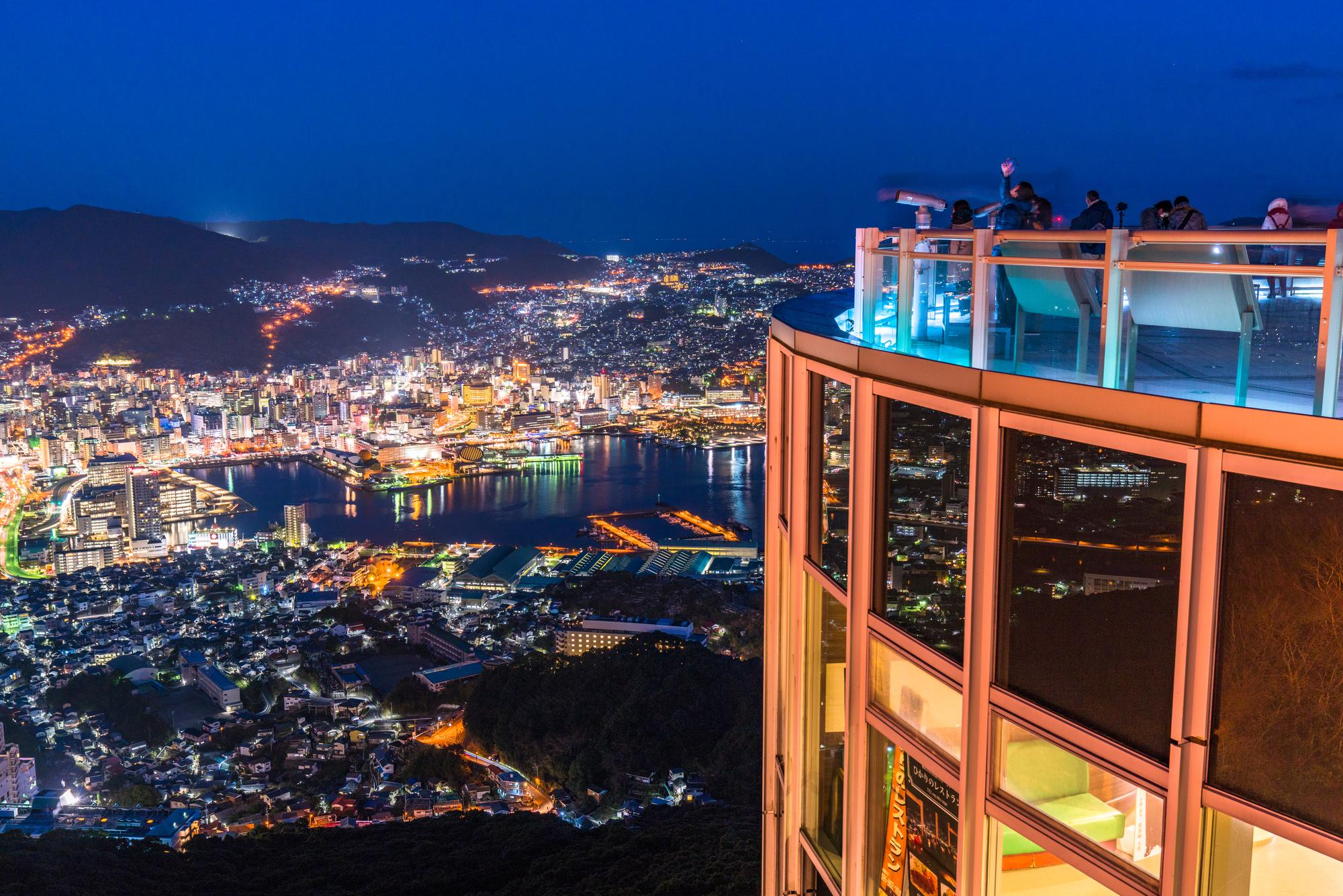 "<span class=""title"">長崎で一番見たい稲佐山の夜景、観光スポットと周辺ホテル選びのコツ</span>"